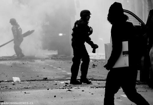MANIFESTACIONES VIOLENTAS by 210.000 vistas !!!    BANCOIMAGENES.CL