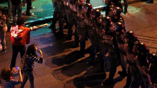 Los simpatizantes de la mandataria buscaban avanzar por la Avenida Paulista (Reuters)