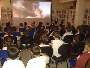 Mult promove Cinema Itinerante em escolas da rede pública