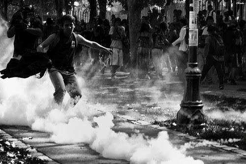 Marcha estudiantil 15-03-2012 1 by Alejandro Bonilla