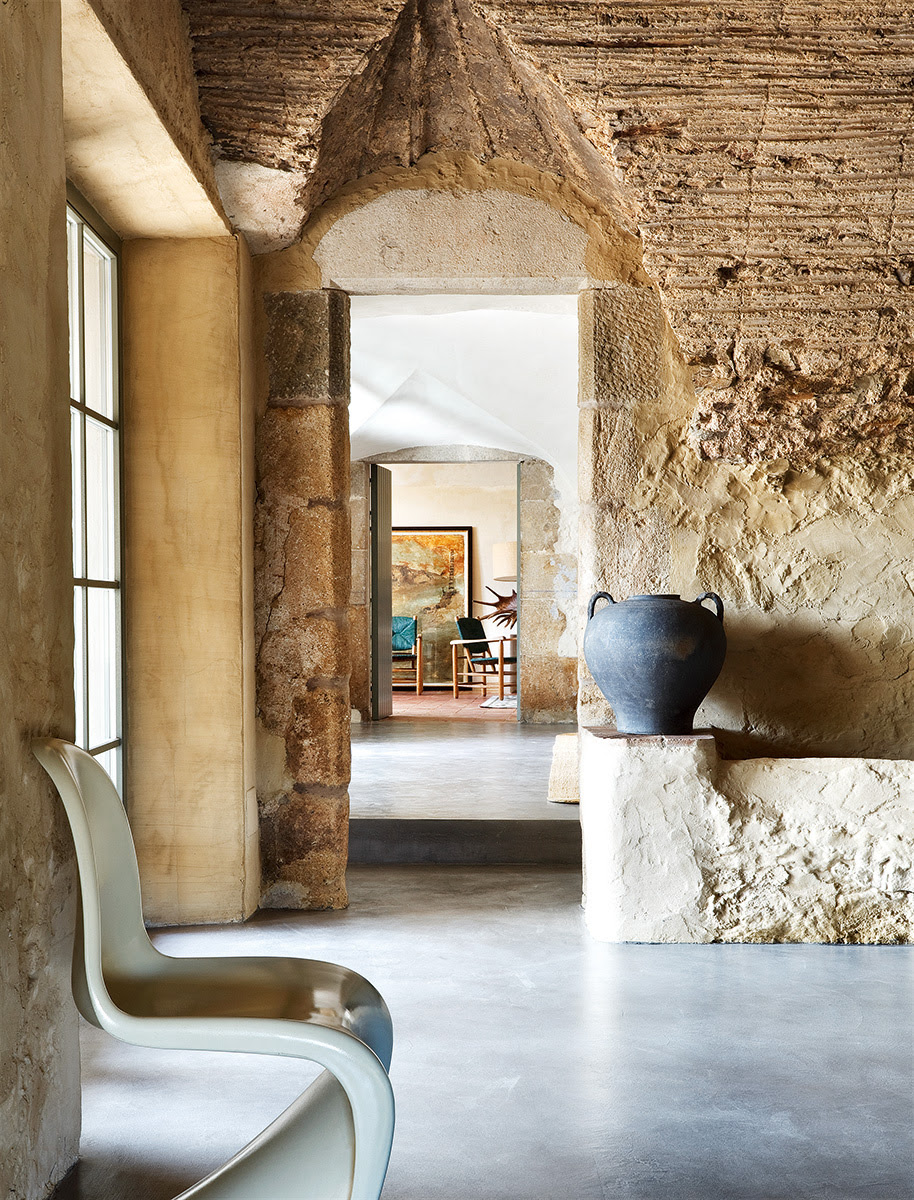 Decordemon an inspired restoration of an old spanish farmhouse - Serge castella ...
