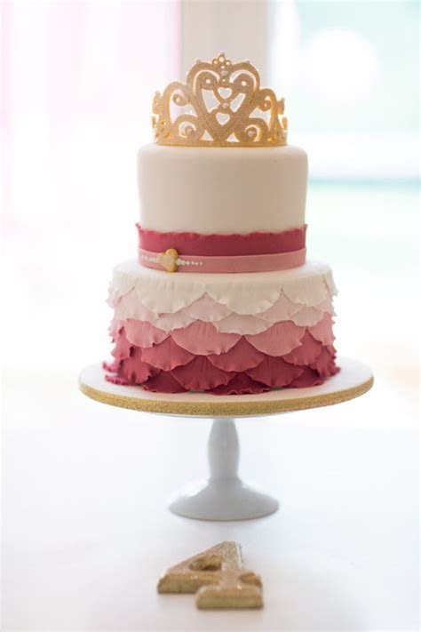 Top 25 Perfect Wedding Cake Topper Ideas   Tulle