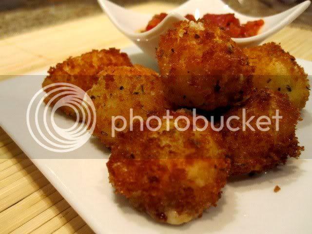 Fried Mozzarella Bites