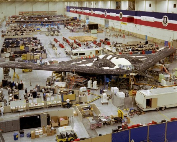 B-2 de producción en las instalaciones de Northrop.