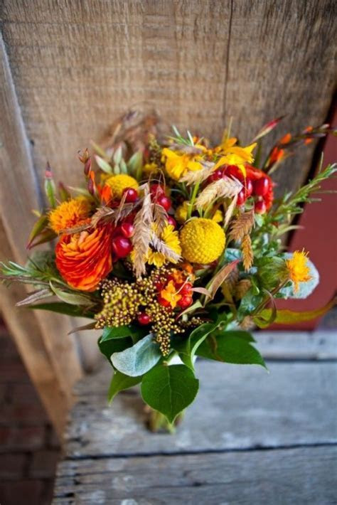 26 Romantic Fall Wedding Bouquets   Style Motivation