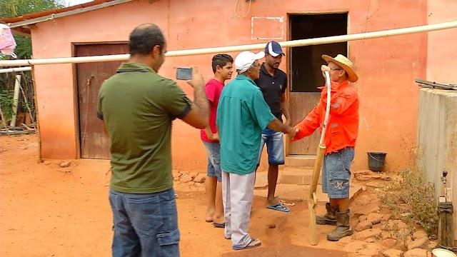 Agricultores fazem canal no YouTube para contar rotina da zona rural de João Dias, RN  e ganha por mês mais de 35 mil reais com os vídeos