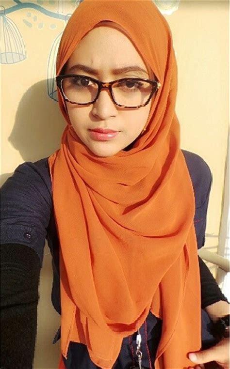 foto foto hijaber  menggunakan kacamata tutorial