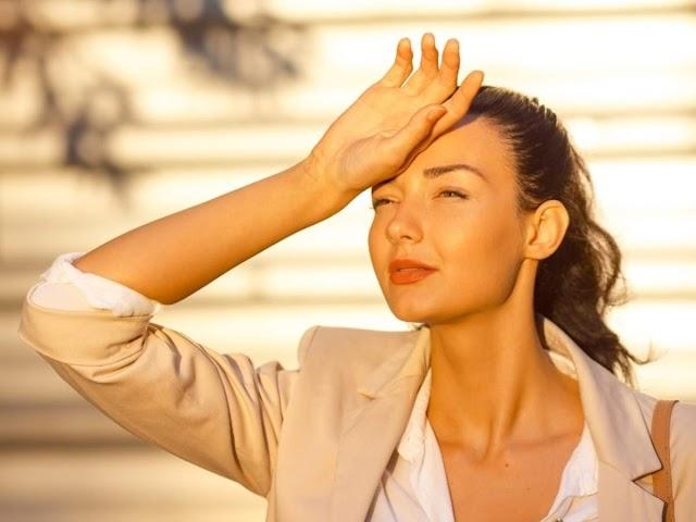 धूप की तेज किरणों से बचने के लिए लगाएं ये नेचुरल चीजें, मिलेगा गजब का फायदा