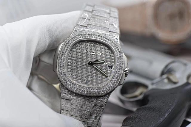Replica Patek Philippe 5711 Full Diamonds