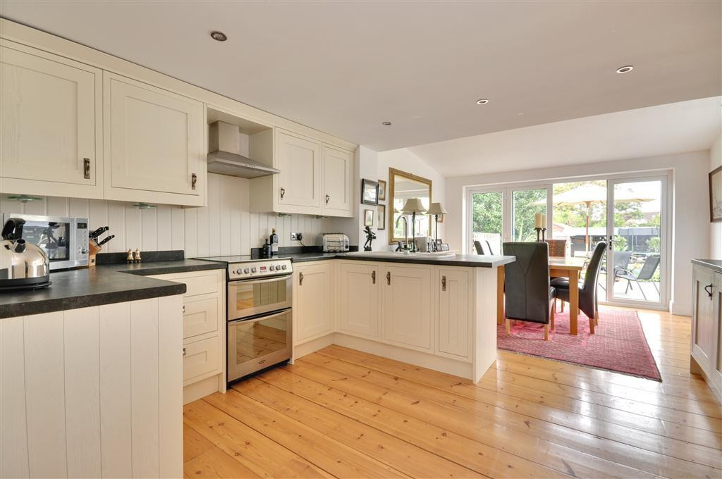 3 bedroom semi-detached house for sale in Dover, Kent, CT17