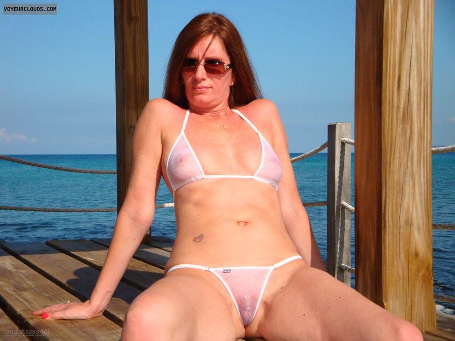 amateur mature in tiny bikini