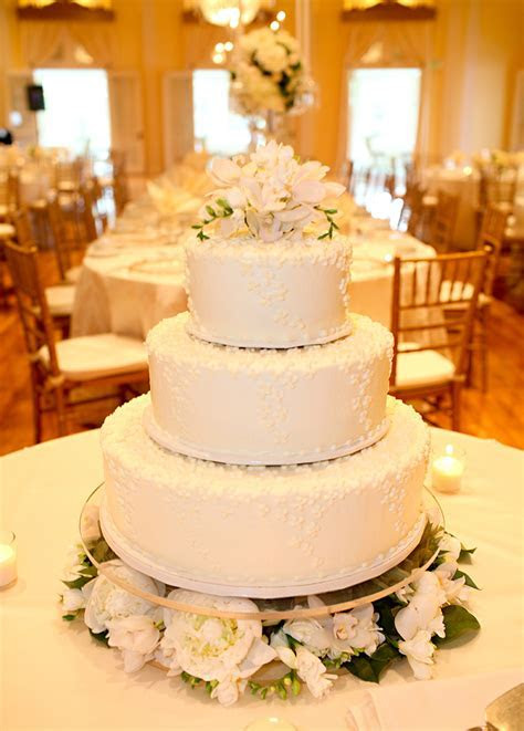 Three Tier Wedding Cake   Elizabeth Anne Designs: The