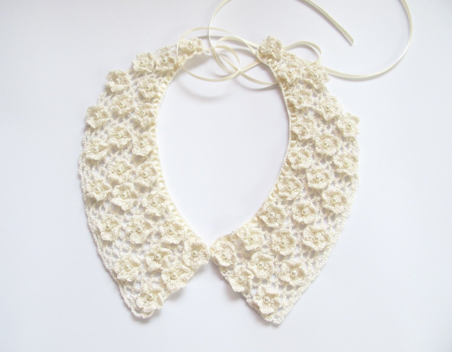 Handmade Crochet Flowers Collar, Lace Ivory Necklace, Bridal Lace Collar, Wedding Accesories, Gift for Her - JurgitasHandicrafts