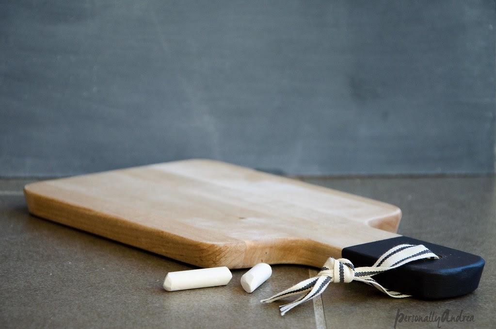 Chalkboard Handle Cutting Board | personallyandrea.com