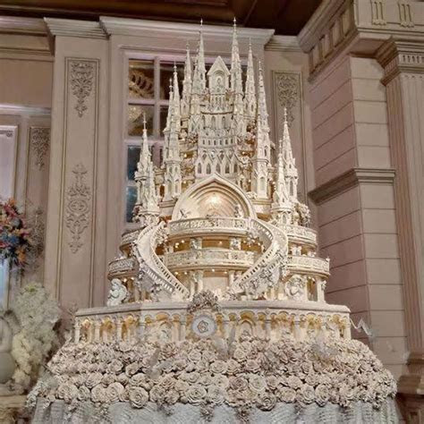 Bridal Guide   Extreme Castle Wedding Cakes for the