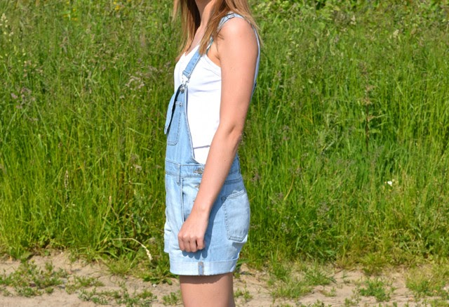 Turn it inside out OUTFIT // SHORTY DUNGAREES