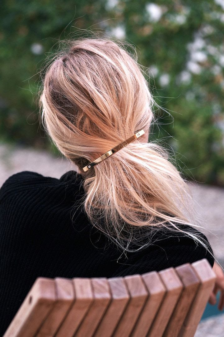 Le Fashion Blog Fall Style Blonde Hair Jessica De Ruiter Gold Barrette Via Rip + Tan