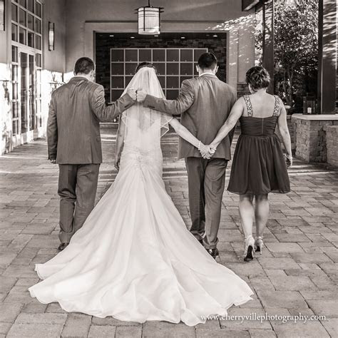 Such a sweet picture of the Bride and Groom with the Best