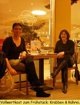 Svenja und Claudia Frühstück Koffeehuusbei PLAZA