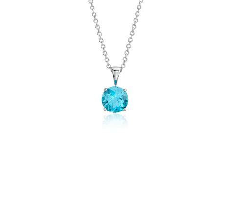 Blue Topaz Solitaire Pendant in 18k White Gold (7mm