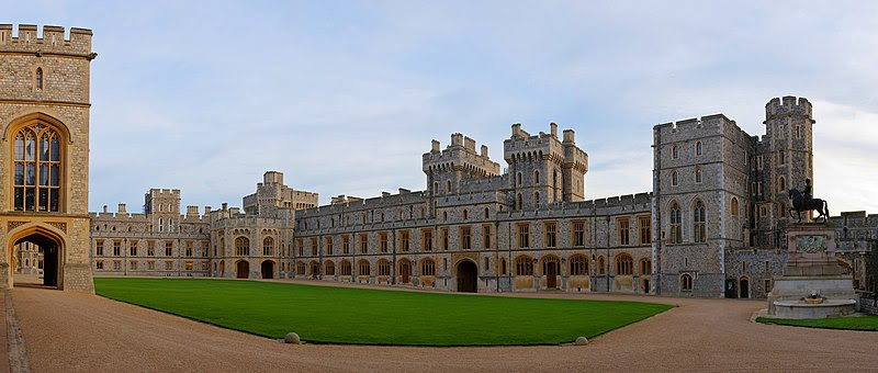 File:Windsor Castle Upper Ward Quadrangle Corrected 2- Nov 2006.jpg