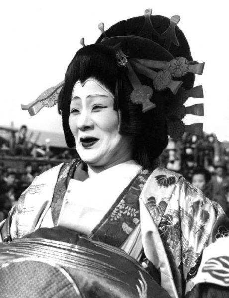 Retro Photos of Japanese Geisha Girls