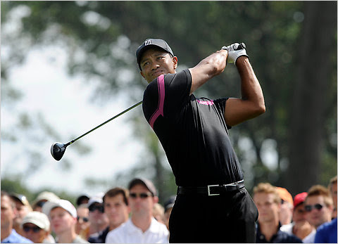 Tiger Woods pic from LA Times article