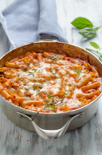Pink Parsley Skillet Baked Ziti