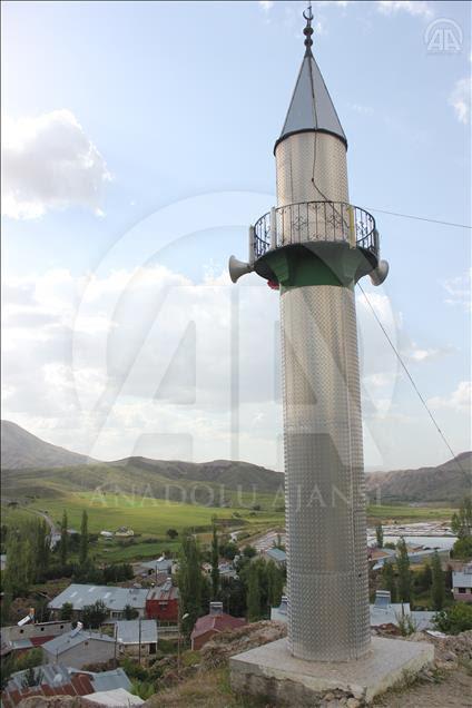 Masjid Tozlaguzo menara masjid