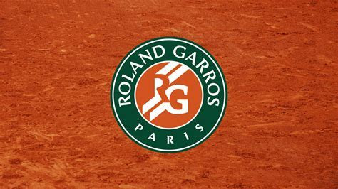 World Versus   Roland Garros vs Wimbledon