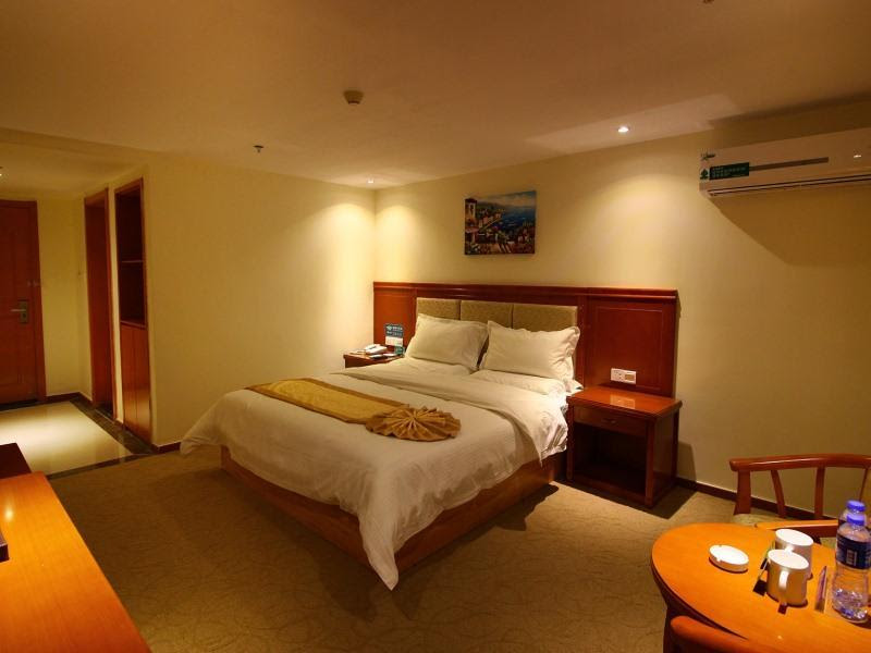 Review GreenTree Alliance Zhuhai Jidajiuzhou Port Hotel