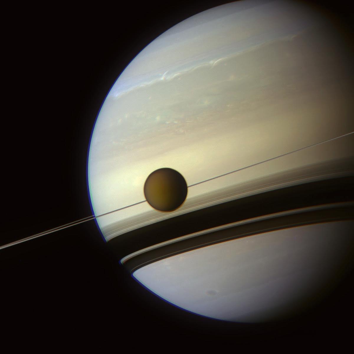 Фото титана спутника сатурна