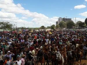 Vaqueiros se reuniram na Orla da cidade (Foto: Aracelly Romão/ TV Grande Rio)