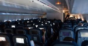 Mies puri toista kesken lentomatkan ja kuoli – Kone teki hätälaskun (800 x 422)