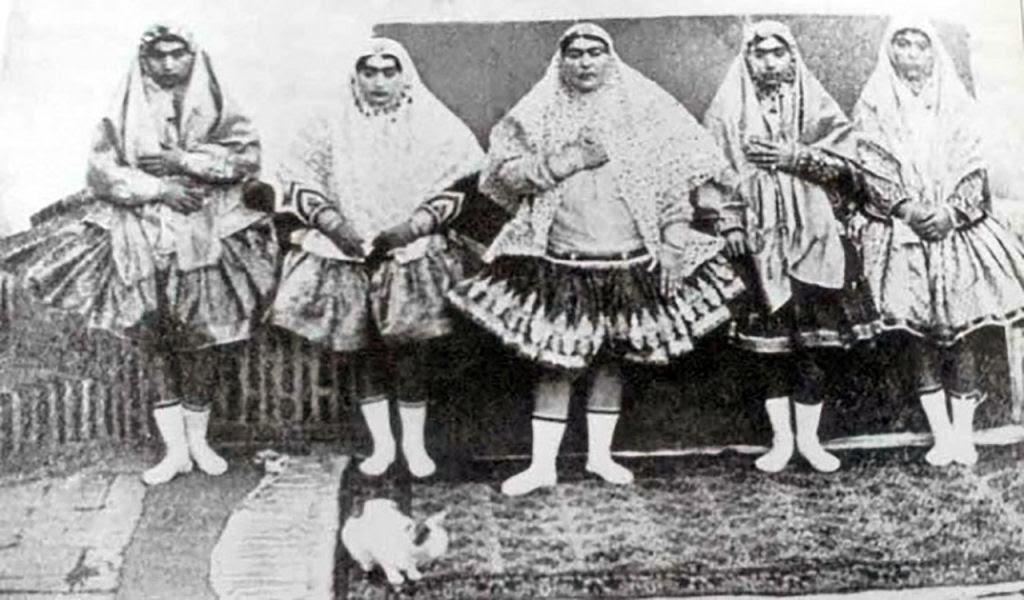 Assim eram as 100 concubinas do harém do Xá de Pérsia no Século XIX 02