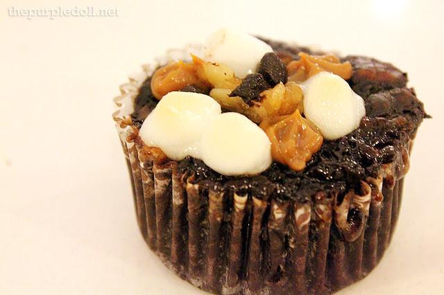Rocky Smores Cupcake P60