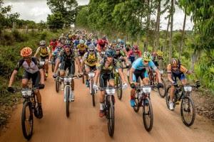 Resultado de imagem para caominhonete brasil ride
