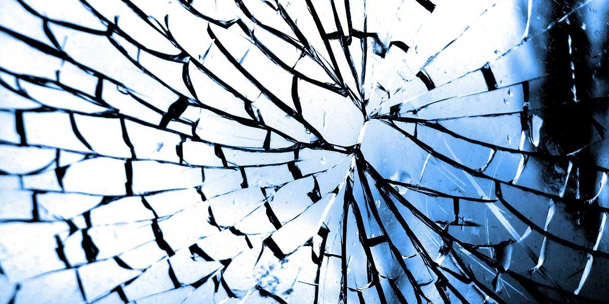 Resultado de imagem para o espelho quebrou