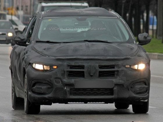 Next generation Fiat Linea spied undergoing tests
