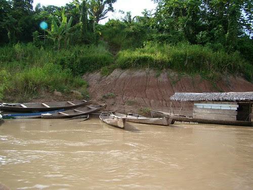 Barcos encostados no barranco by olharacreano