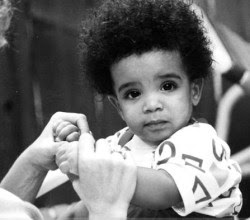 Drake baby cute rap dope sweet star DRIZZY curly hair afro