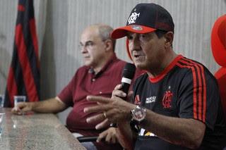 Muricy Ramalho e Eduardo Bandeira de Mello coletiva Flamengo (Foto: Gilvan de Souza/Flamengo)