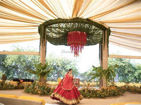 20  Exceptionally Beautiful Mandap Decor Ideas for your