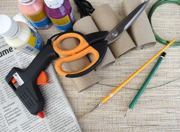 Materiais para fazer flor de rolo de papel higiênico