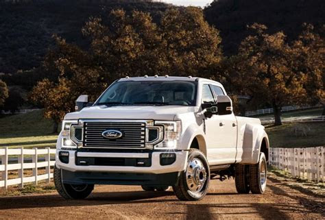 ford  series super duty price  engines review