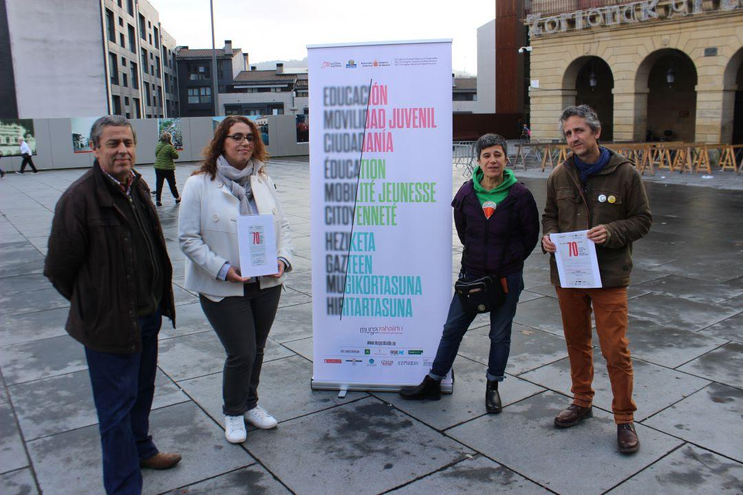 Presentación en la plaza San Juan de las actividades enmarcadas en el Día Internacional de los Derechos Humanos que se conmemora el 10 de diciembre.