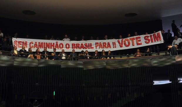 Caminhoneiros manifestaram apoio ao projeto na galeria do plenário da Câmara (Foto: Gustavo Lima/Câmara)