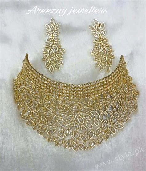 Gold Bridal set in 12 Tola's 22 carat Gold   Jewellery