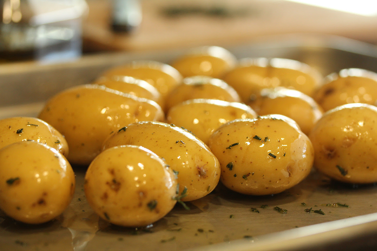 "These Mini Twice-Baked Potato Appetizers are are pretty much ""comfort food meets the cocktail hour."""