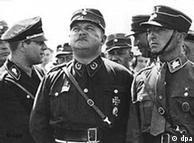 A homossexualidade de Ernst Röhm (c) foi tolerada durante anos por Hitler